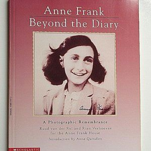 Anne Frank A Photographic Remembrance Book